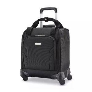 NEW Samsonite USB spinner underseater luggage